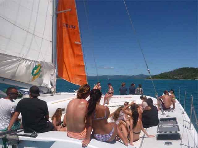 Avatar-sailing-through-the-whitsunday-islands