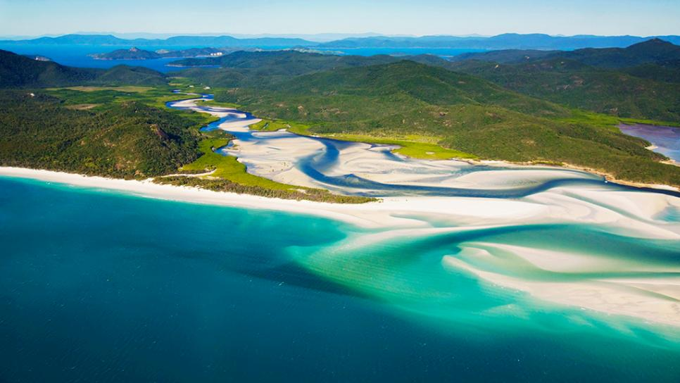 Whitsundays Backpacker Tour to Whitehaven Beach